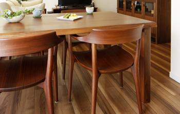 無垢材テーブル 無垢材チェア ウォールナット 無垢材家具2